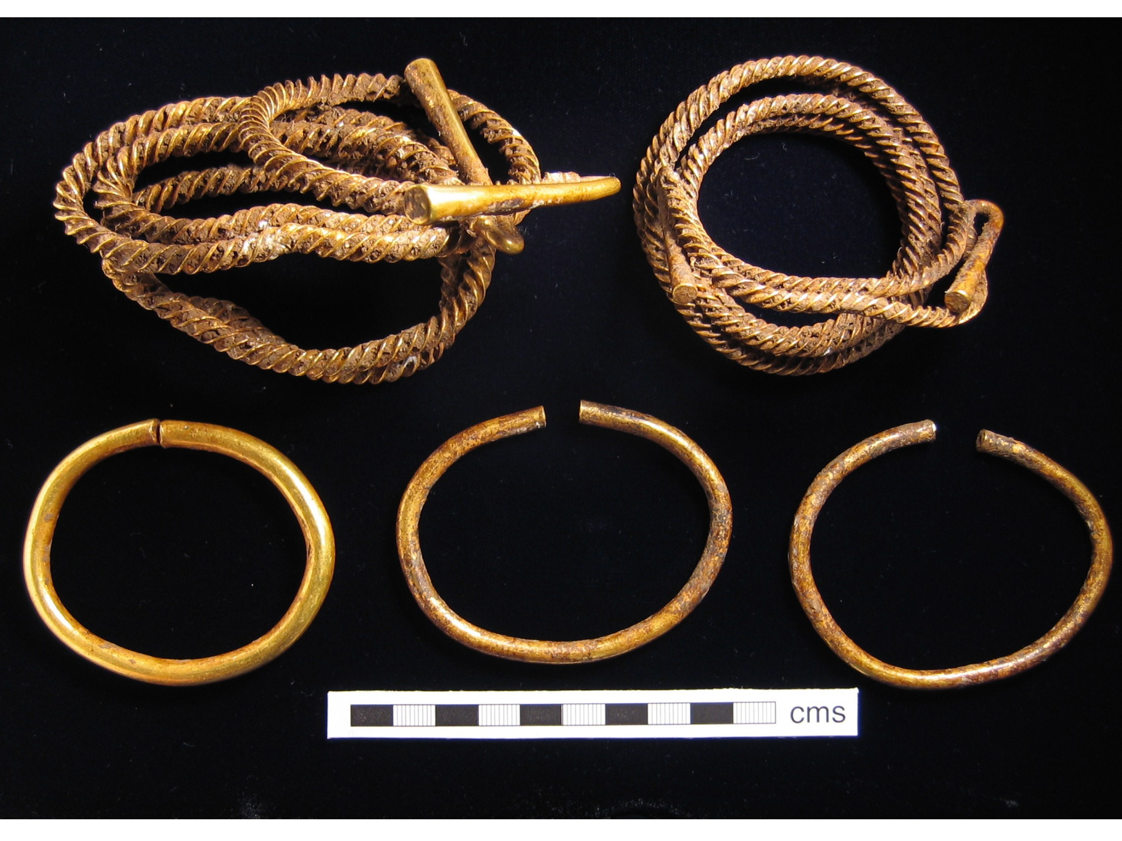 Middle Bronze Age gold from the Crow Down hoard, West Berkshire. © British Museum Portable Antiquities Scheme (PAS)