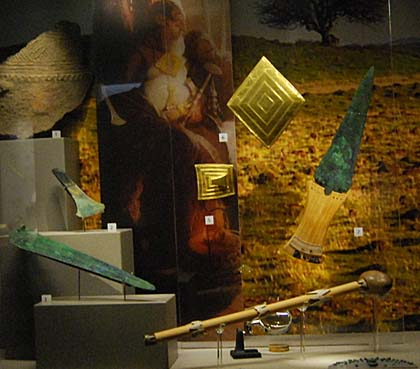 Artefacts from Bush Barrow on display in the Wiltshire Museum © Courtesy Wiltshire Heritage Museum